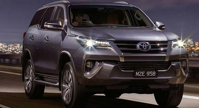 2017-toyota-fortuner-redesign